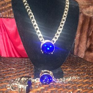 💥📌Goldtone Hardware with Big Blue Stone Set
